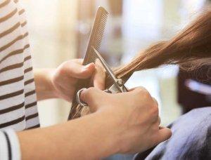 Spliss Haarspitzen schneiden