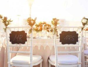 Eheversprechen erneuern Stühle Mr und Mrs