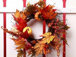 Gebundener Herbstkranz