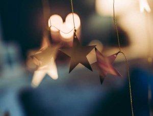Weihnachtsdeko-Ideen ausgeschnittene Sterne