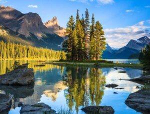Kanada Spirit Island im See