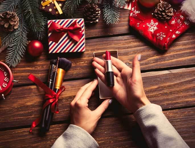 Festliches Styling weihnachtliches Make-up