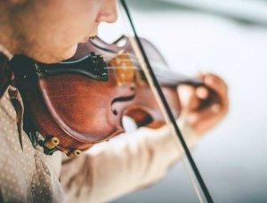Kunst Mann spiel Geige