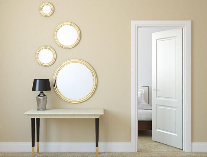 flur mit spiegeln und tisch. Black Bedroom Furniture Sets. Home Design Ideas