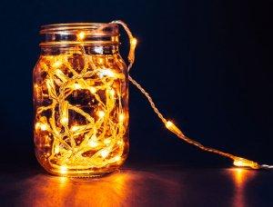Lichterkette im Glas