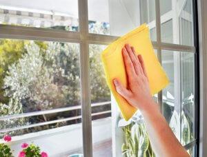 Fenster putzen mit Essigreiniger