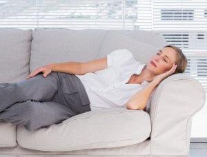 Nickerchen bei Kopfschmerzen