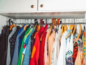 Motten loswerden Kleiderschrank