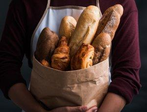 Tüte voller Brot