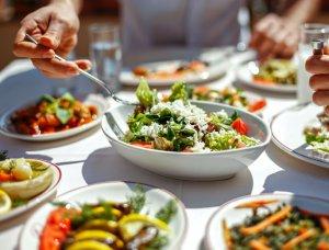Tisch voller Gerichte