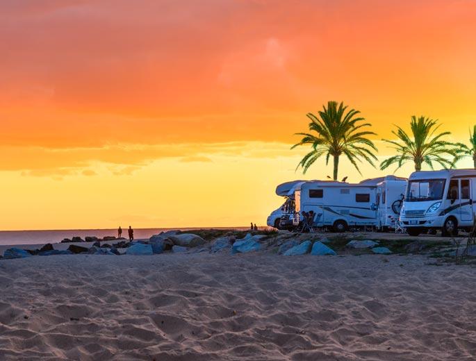 Campingreisen Sonnenuntergang