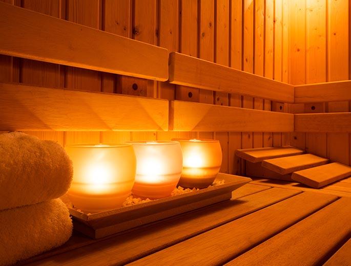Sauna mit Kerzen